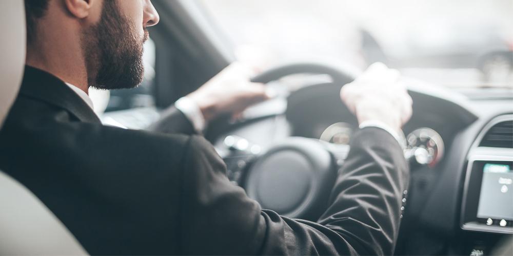 5 Recomendaciones para manejar un auto blindado con seguridad